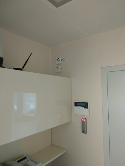 Differential pressure measurement in clean rooms
